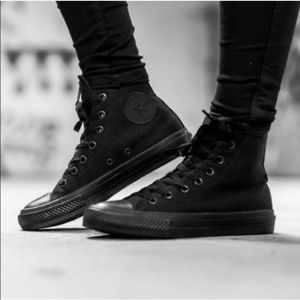 Chuck Taylor All Star High Top Unisex Shoe M-5 W-7